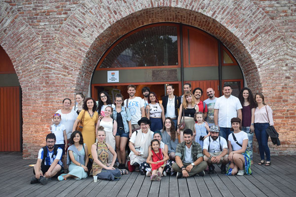 Team-of-volunteers-and-artists-of-Timisoara-Refugee-Art-Festival-2019